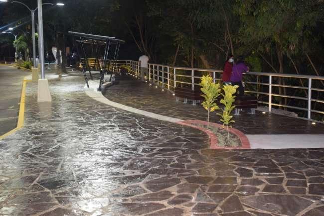 Municipalidad Provincial de San Martín entrega obra de remodelación del  bulevar de la Paz a población tarapotina