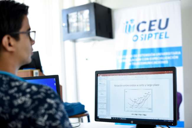OSIPTEL anuncia programa de becas para estudios de regulación con especialización en telecomunicaciones