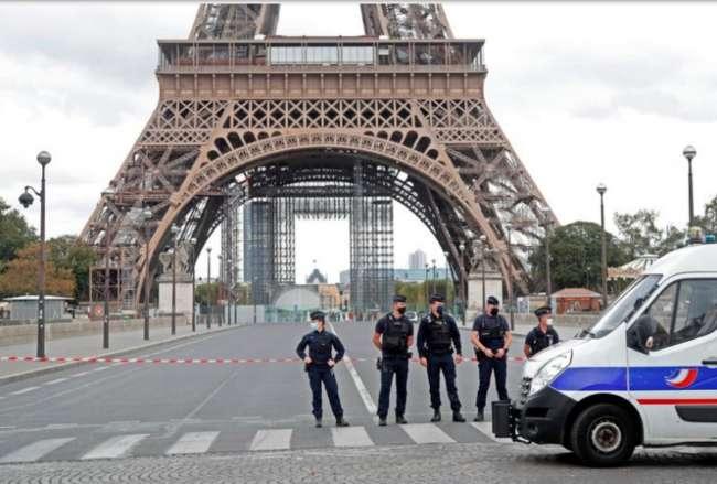 Francia extiende el toque de queda y afectará a 46 millones de personas