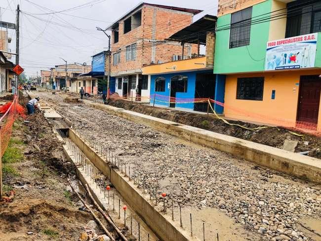 Alcalde de Moyobamba inspecciona obra del Jirón Pedro Pascasio Noriega