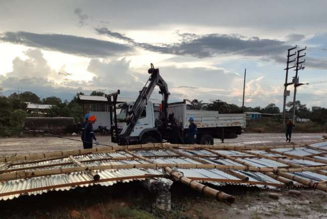 Fuertes vientos y lluvias torrenciales afectaron servicio eléctrico en los Distritos de Uchiza, Tocache y Cholon.