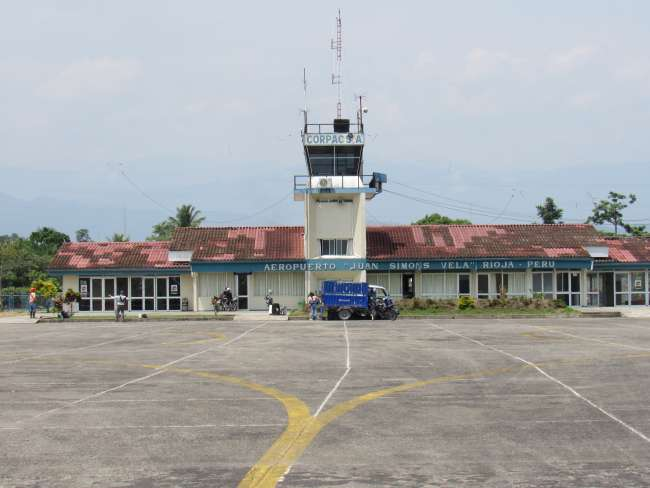 Tenemos este aeropuerto habilitado  Todos los alcaldes del Alto Mayo y  Cámaras de Comercio debemos sumar