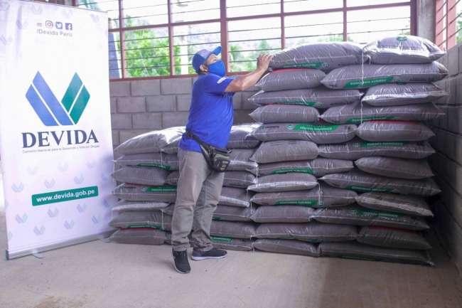 Devida entrega más de 18 mil sacos de abono que serán aplicados en 2354 ha. de cultivo de cacao