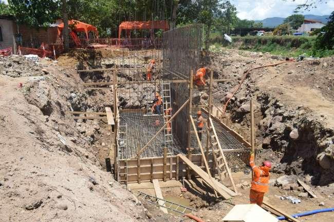 Municipalidad Provincial de San Martín continúa con las obras del puente Cuzco