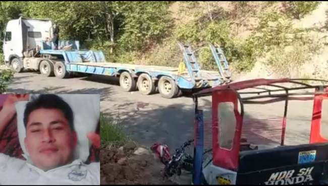 Mototaxista natural de Rioja muere tras impactar su trimóvil con un camión