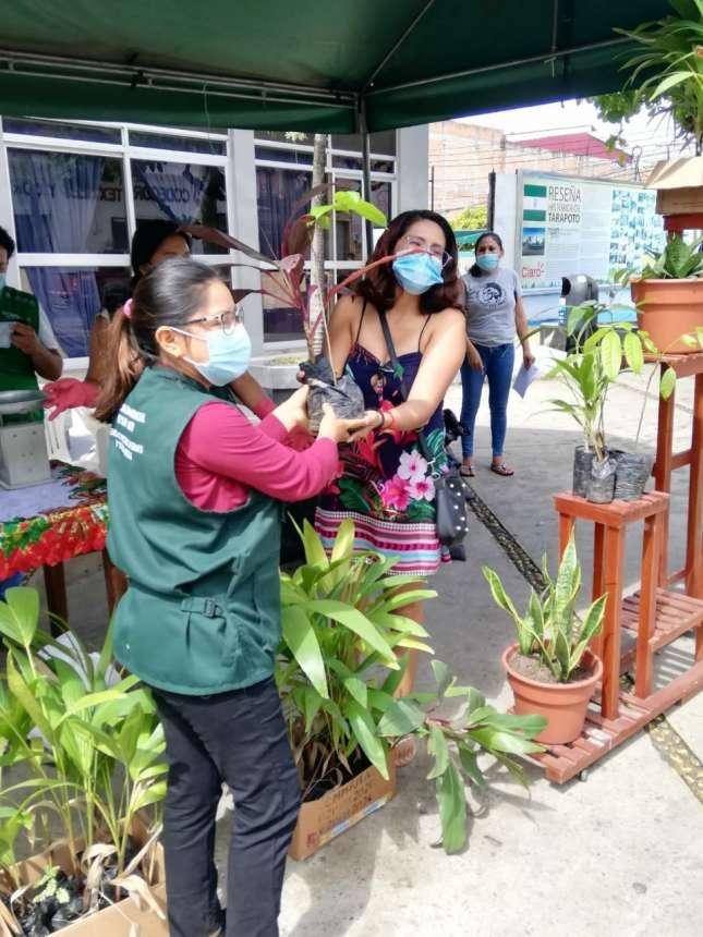 Población participa en trueque ecológico  organizado por MPSM