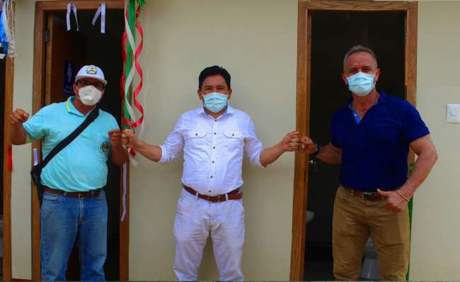 Alcalde de la Banda de Shilcayo inaugura Sistema Integral de Servicios Higiénicos del Centro de Salud de las Palmas. Del Águila García, felicitó el trabajo de los especialistas de la salud, quienes cumplen una función vital en nuestra sociedad. Agradecen contrataciones de especialistas de la salud para Centro de Salud.