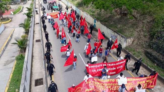 Ronderos protestan contra el Tribunal Constitucional y en defensa de la Cordillera Escalera