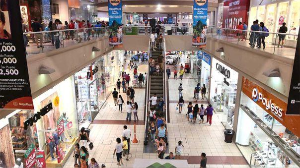 Gobierno dispone que centros comerciales reduzcan su aforo de 60% a 40%