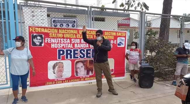 TRABAJADORES SINDICALIZADOS A LA FENUTSSA  Exigen culminación de la refacción del centro de Salud de La Banda de Shilcayo