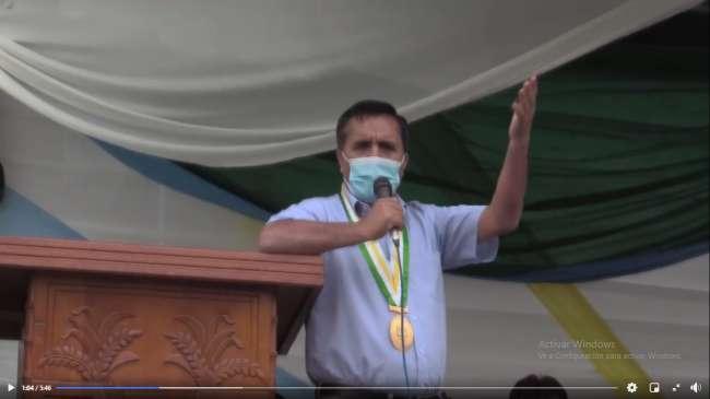 """Alcalde de Nueva Cajamarca """"Realiza ceremonia de entrega de dos Volquetes"""