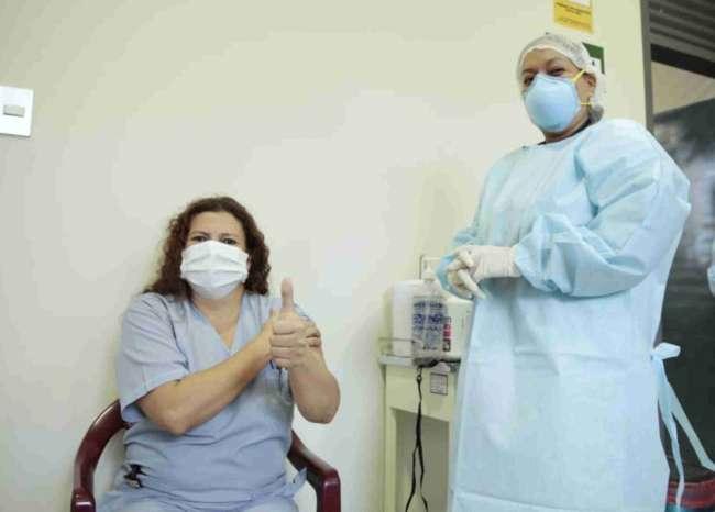 Inician vacunación a personal de salud en San Martín