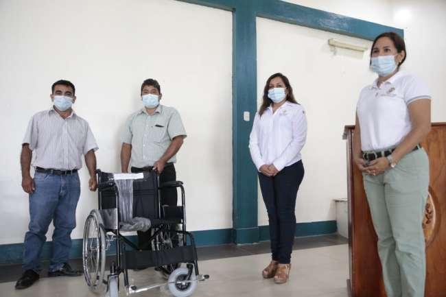GORESAM entrega sillas de ruedas materiales e insumos a personas con discapacidad