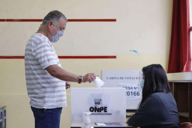 Podrán votar 997,033 peruanos fuera del país. La ONPE aprobó lineamientos para elecciones generales en el extranjero