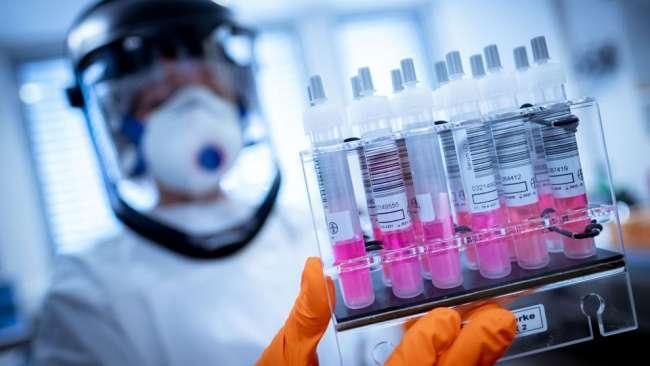 Proponen que gobiernos regionales y  municipalidades puedan adquirir vacunas contra la Covid-19