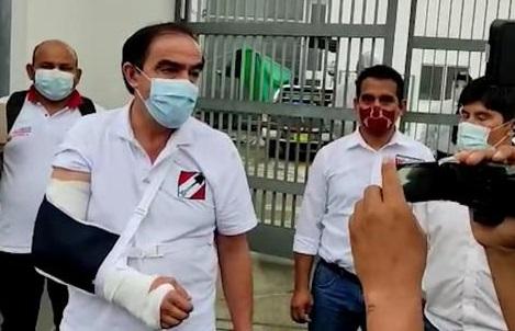 Yonhy Lescano sufrió lesión en el brazo derecho tras accidente automovilístico en Tocache