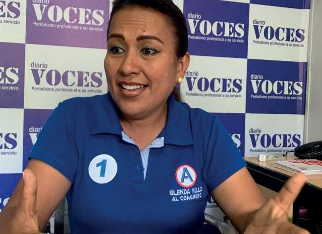 """Entrevista a Glenda Melo Pinedo: En la siguiente entrevista, la periodista expone sus propuestas y retos, no quiere ser """"una más"""" de llegar a ser elegida."""