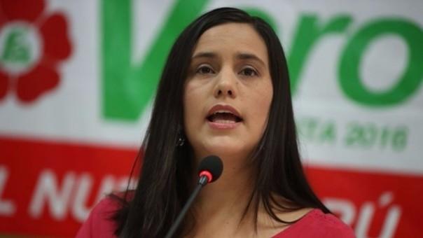 Veronika Mendoza fustiga  a rivales en Tarapoto