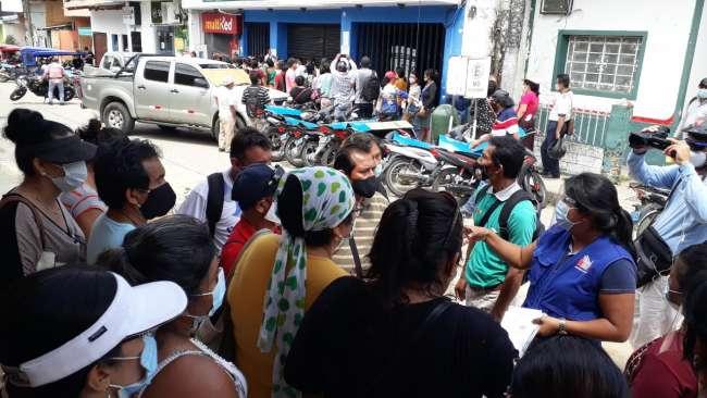 A pesar de advertencias: Reclamos de profesores generan aglomeraciones en los exteriores de la UGEL en Tarapoto