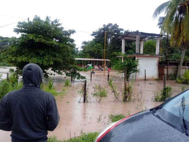 Desborde de río también afecta varias localidades de la provincia El Dorado