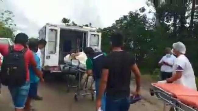 Ambulancia que trasladaba paciente en riesgo queda varada por mal estado de carretera