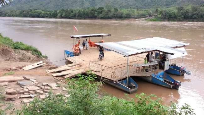 En abril iniciarán construcción de puente Huallaga
