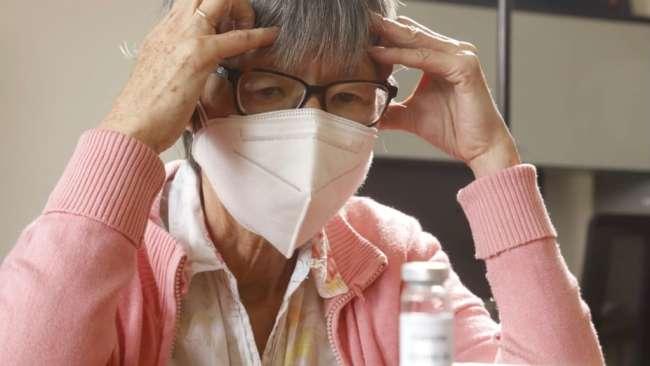 Angustia y dudas sobre la vacuna contra la COVID-19 son más frecuentes en adultos mayores