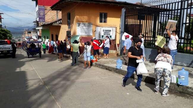 Realizan protesta en los exteriores del Poder Judicial de Tarapoto