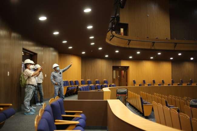 Últimos acabados para que el Centro Cultural ubicado en Moyobamba esté pronto a su inauguración.