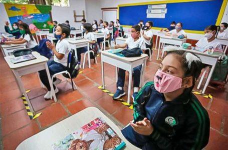 Aprueban ley que regula precio de pensiones en colegios privados