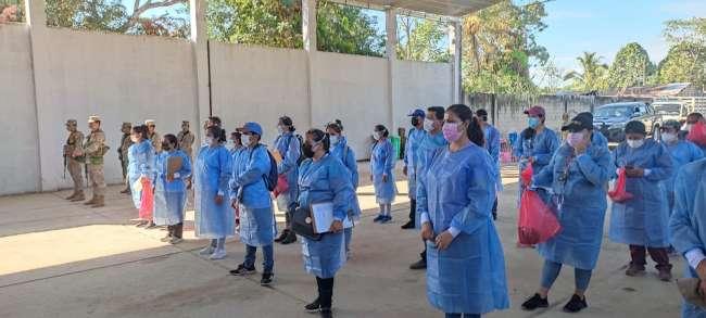 Brigadas de Salud junto al ejército recorrieron viviendas en busca de casos COVID- 19 en el distrito de Yuracyacu.
