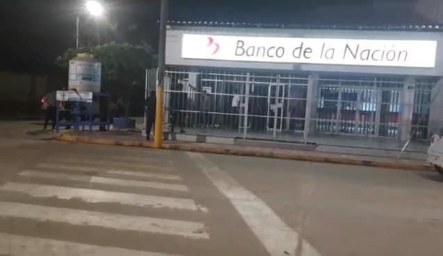 En Moyobamba, sujeto en estado de ebriedad ingresa a las instalaciones del Banco de la Nación al promediar la media noche