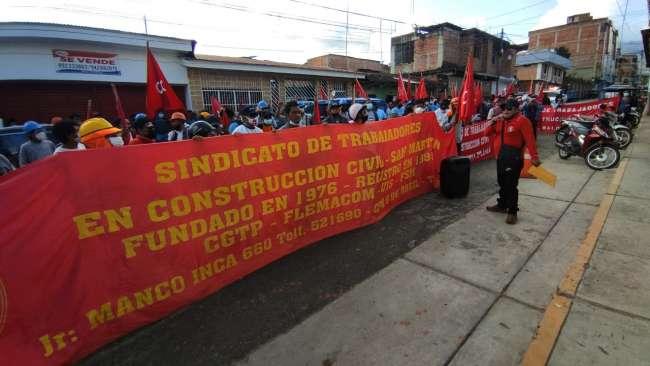Sindicalistas de Construcción Civil protestan en la oficina de SUNAFIL de Tarapoto