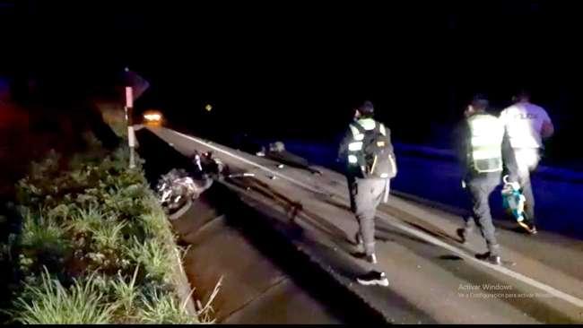 Policía muere en accidente de tránsito y dos señoritas resultan heridas