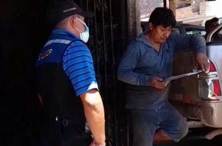 Por arrojar basura en la calle multan a vecino del barrio Huayco de Tarapoto
