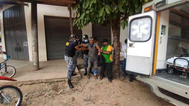 Indigente que solicitaba atención médica fue trasladado al Hospital de La Banda de Shilcayo