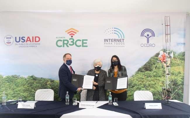 Internet para todos y CEDRO se unen para impulsar inclusión digital en la Amazonía peruana