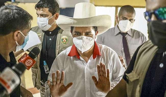 Pedro Castillo debe convocar a un gobierno de salvación nacional