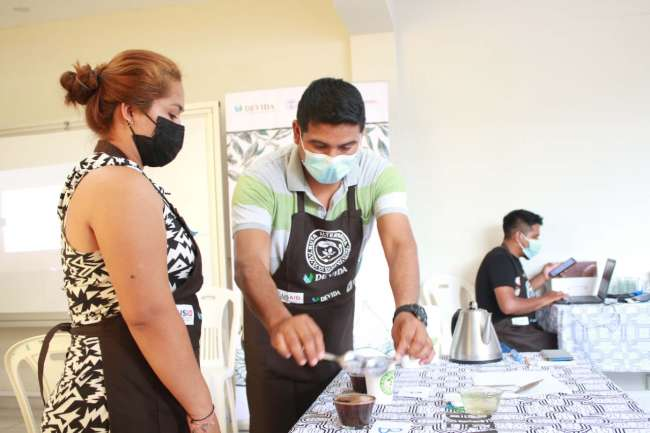 DEVIDA ORGANIZA TALLER DE CATACIÓN DE CAFÉ PARA PRODUCTORES CAFETALEROS DE TOCACHE
