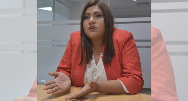 La alcaldesa del distrito de San Juan de Miraflores, Cristina Nina, fue detenida esta mañana junto a su pareja, el empresario, Walter Huamán Hidalgo
