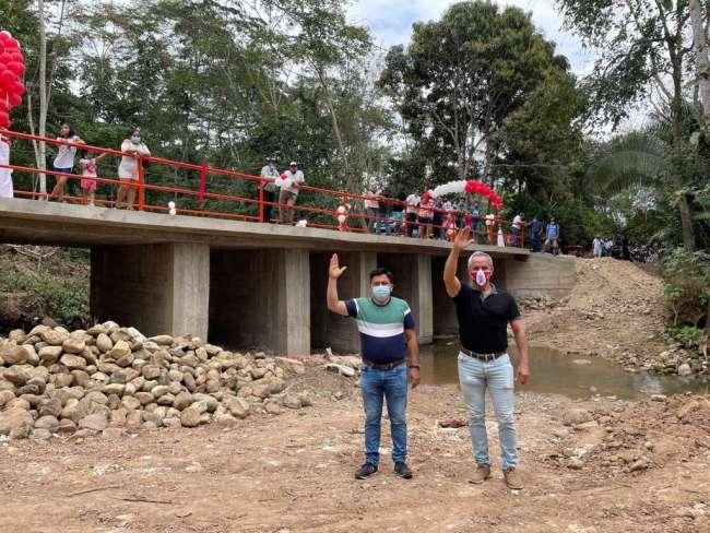 Alcalde provincial Tedy del Aguila Gronerth y de La Banda de Shilcayo José del Aguila García