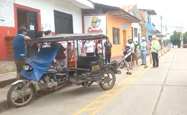 Vecinos del jirón Santa Inés de Tarapoto impiden colocación de bolardos para la ciclovía