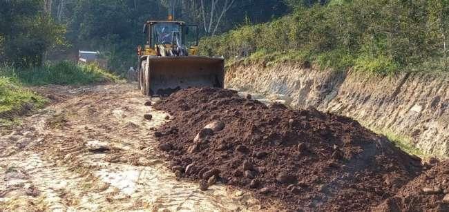 Maquinaria pesada trabaja en el mejoramiento de vías que une Jepelacio con el Alto Sisa