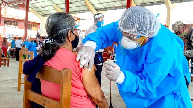 Vacunadores llegaron a entidades bancarias para inmunizar a  trabajadores, pero se negaron  a recibir vacuna