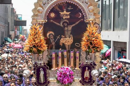 Esta noche desde las 6 pm, la sagrada Imagen del Señor de los Milagros recorrerá calles de Tarapoto