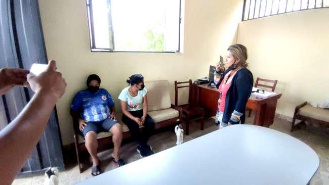 Por robos en tumbas del cementerio de Tarapoto, intervienen a dos mujeres