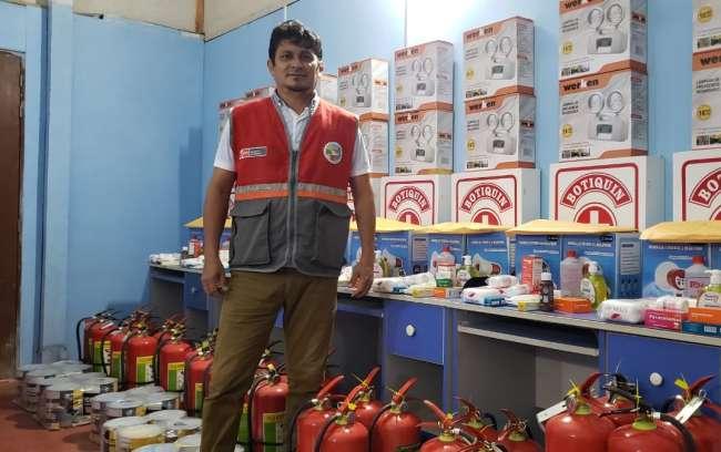 Ugel Alto Amazonas entrega equipos e insumos de seguridad a las instituciones educativas
