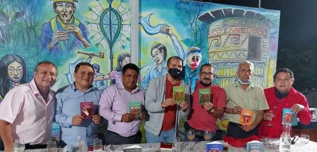 San Martín se encontró con el Río Marañón a través de una Serie de 10 Libros