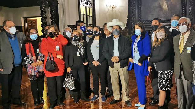 Delegación de la Asociación Nacional de Periodistas del Perú se reunió con presidente Castillo